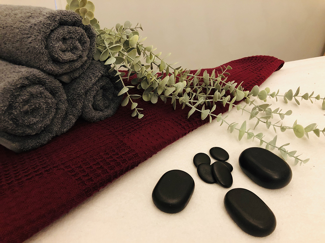 massage towels and flower